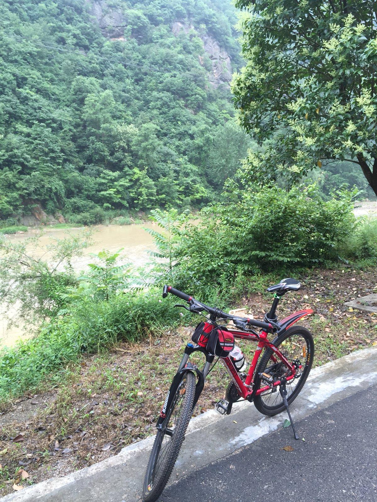 骑行到宽坪,一路美景