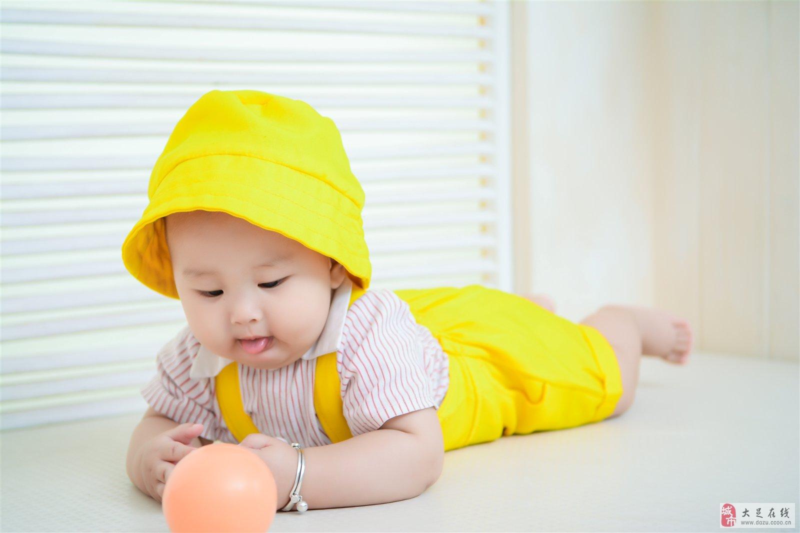 可爱婴儿男宝 图片