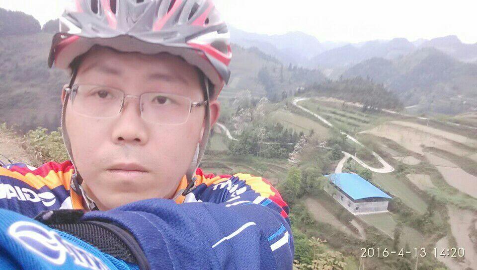 骑行在凤城