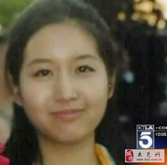 据美国KTLA电视台报道,洛杉矶圣佩卓高中28岁华裔女教师涉嫌对一名15岁学生进行性侵犯一案已在学生和家长中引起公愤。同时,此案也引起了周边社区的高度重视。据民众反映,涉案叶姓(Michelle Yeh)女教师不仅是圣佩卓高中的正式教师,同时还提供私人的网络教学。该名教师7月17日被捕,次日在缴纳10万美元保释金后被释放,并回到自己的公寓。预计8月12日出庭受审。圣佩卓高中校方仍未对此案当事人做出任何官方解释,本案细节仍在进一步调查中。据民众反应,叶姓教师曾通过takelessons网站提供网络教学指导,