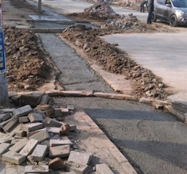 【便民】咱长葛这条路地下排水施工,暂时不能通车,提醒过往车辆绕行