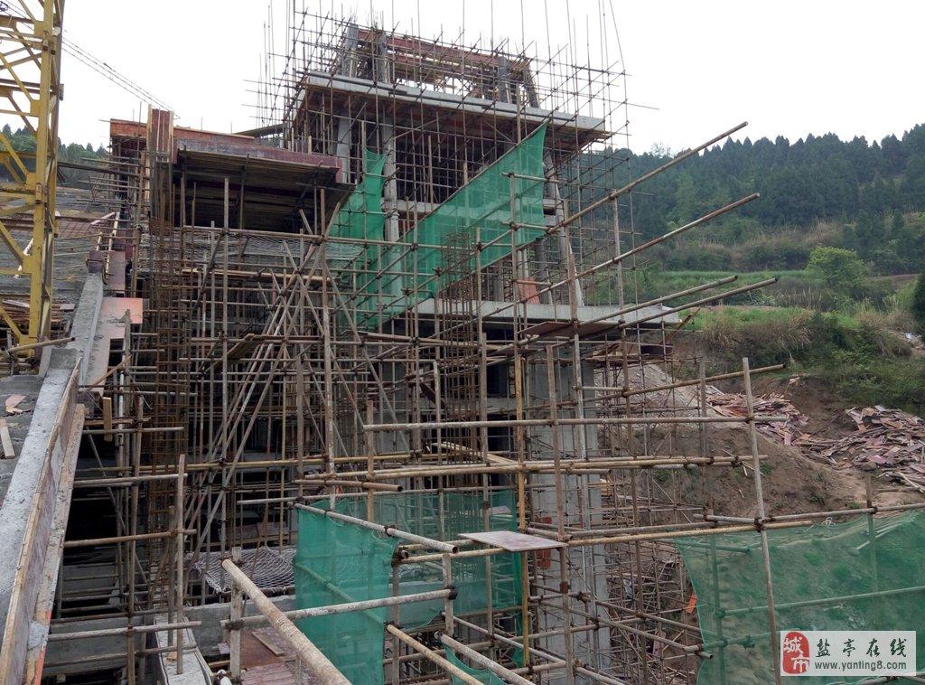 框剪结构,仿古建筑铺装;楼盖攒顶转角