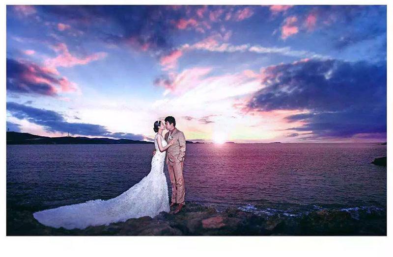 1,相对而言欧式风格的婚纱照更加的庄重简洁,所以在背景选择上就需要