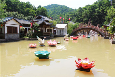 龙凤山庄影视渡假村