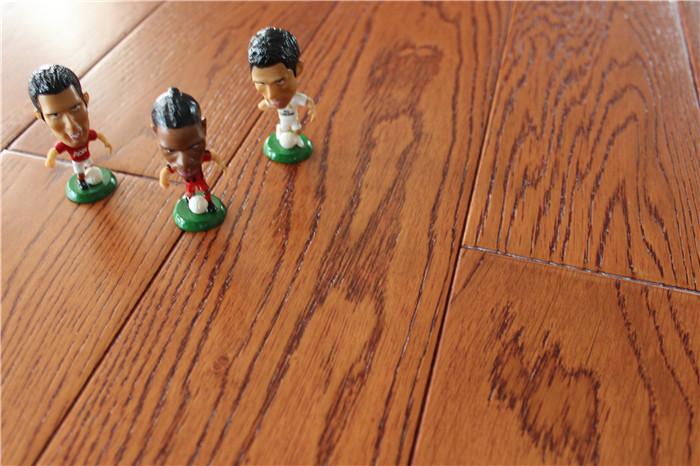 橡木仿古拉丝面实木地板