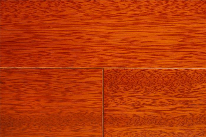 实木多层地板 单片规格:910*127*15mm