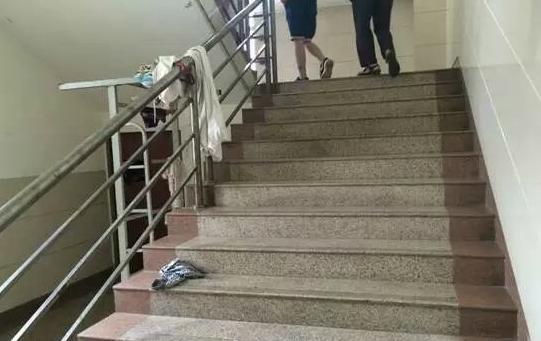 不等跑楼梯设计图