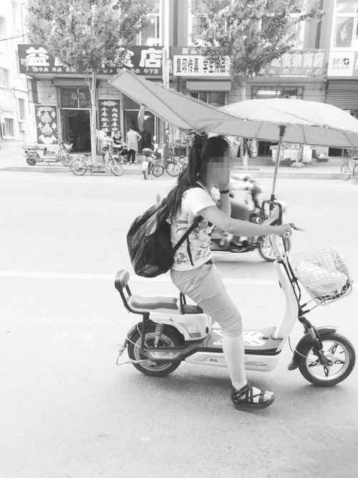 电动自行车安装遮阳伞