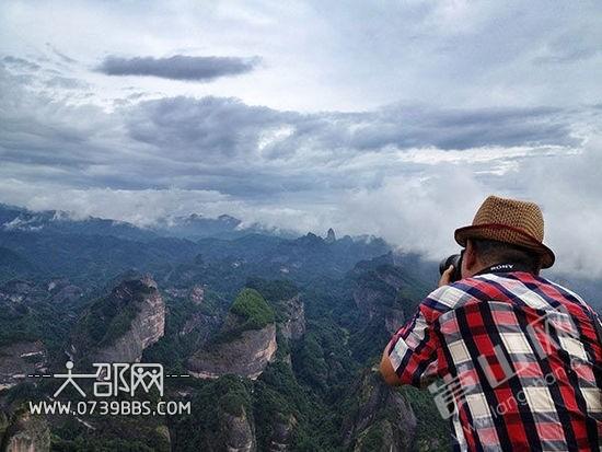 崀山风景区位于湖南省邵阳市新宁县境内