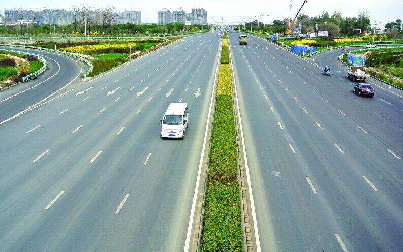 乌鲁木齐市北京路北延至五家渠地界道路9月15日全线通车