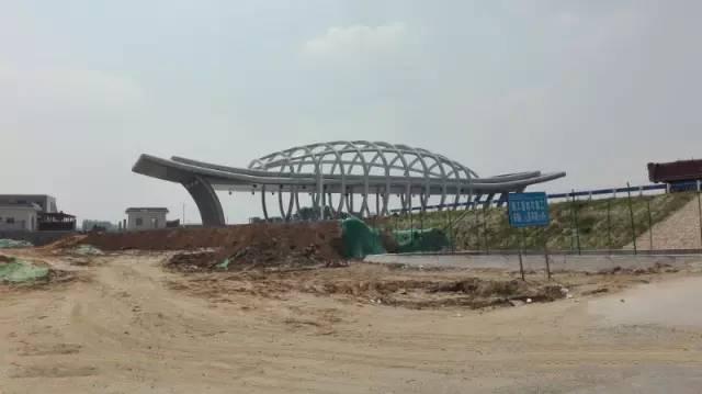 方向到郑州航空港区在机场站北口下高速,许昌及新郑方向到郑州航