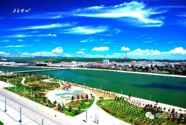 碧波荡漾的龙源湖,恢弘大气的人民广场,一处处美景展现喀左新姿.