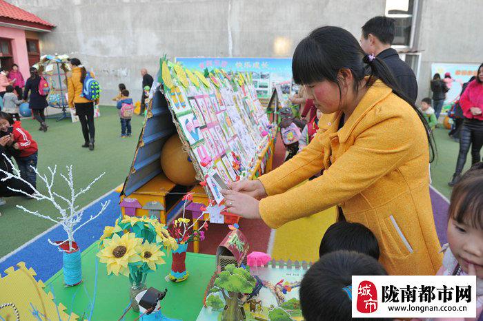 礼县蓓蕾幼儿园举办2015冬季幼儿美术作品展