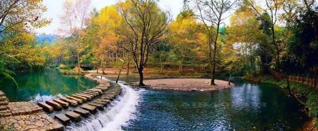 黔灵山公园的黔灵湖 2015年贵州省森林面积达1.