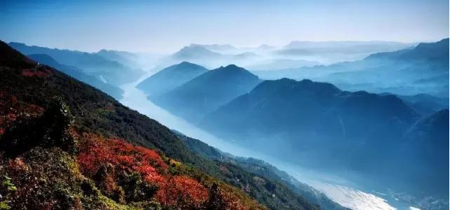 主要风景区:三峡人家,西陵峡口,西塞国森林公园,中华鲟鱼馆,三峡景区