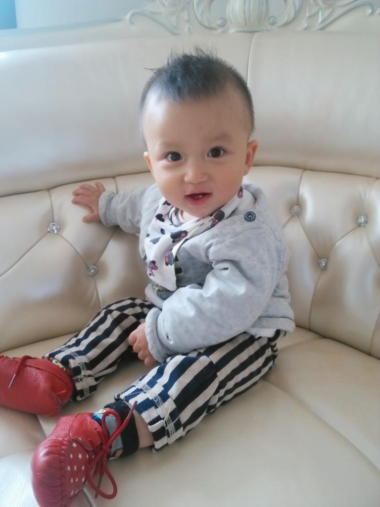 13个月 宝宝小名:豌豆 性别:男 宝宝介绍:大家好,我是一枚聪明可爱的