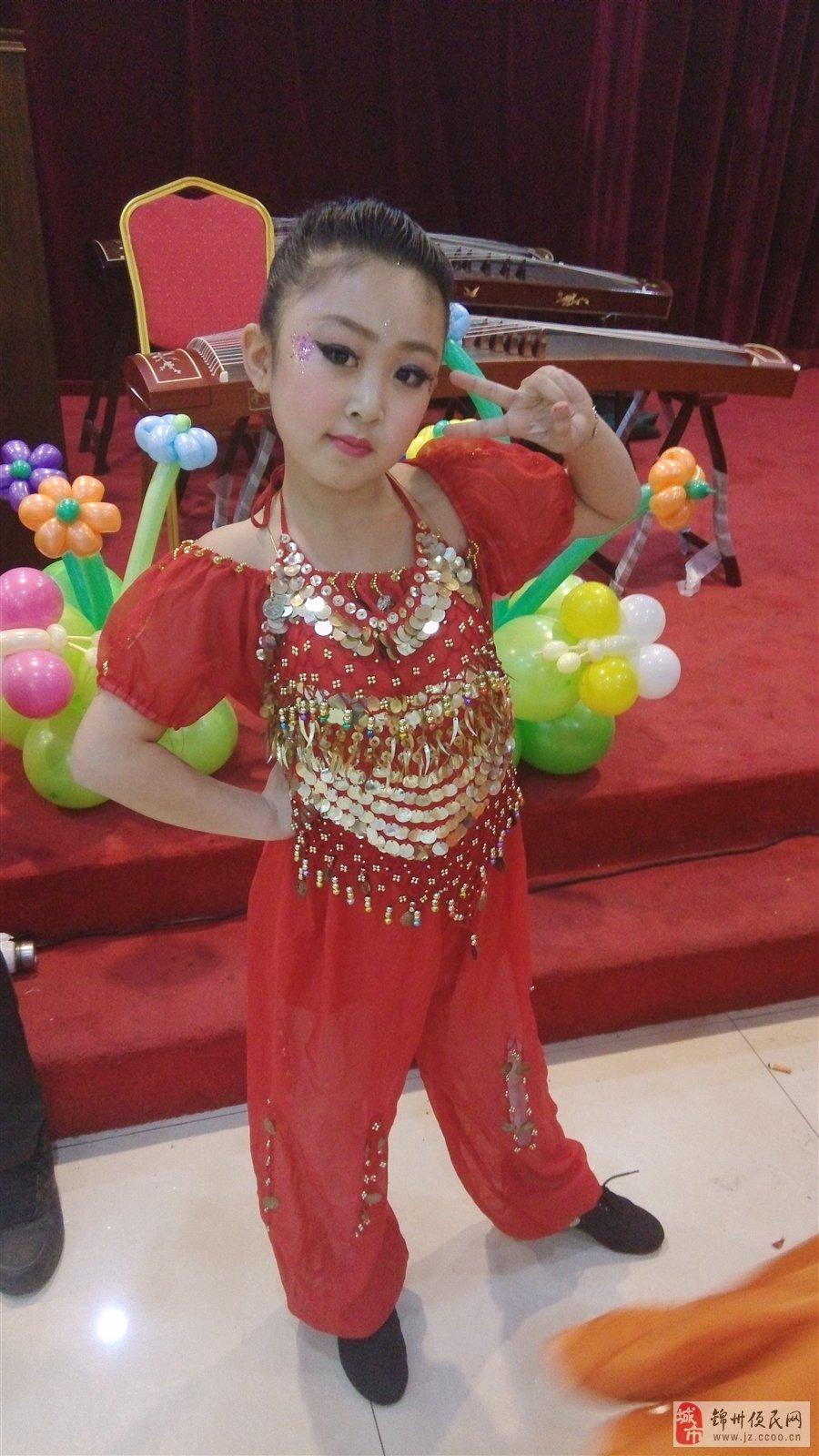 宝宝姓名:郭睿 宝宝年龄:9 宝宝介绍:活泼,可爱,让一切用美妙的舞步