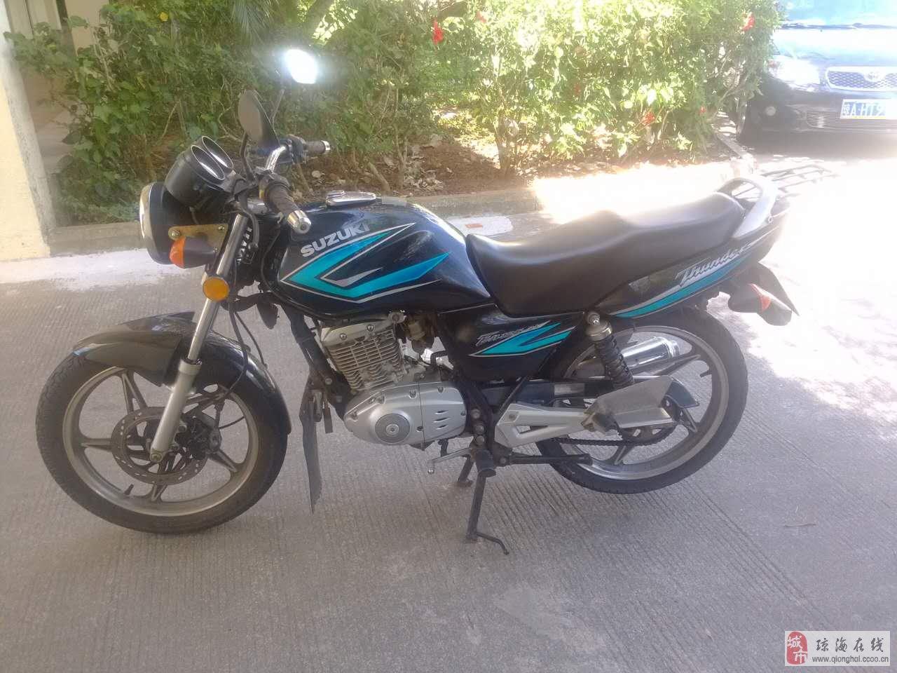 豪爵铃木锐爽en125-2a摩托车
