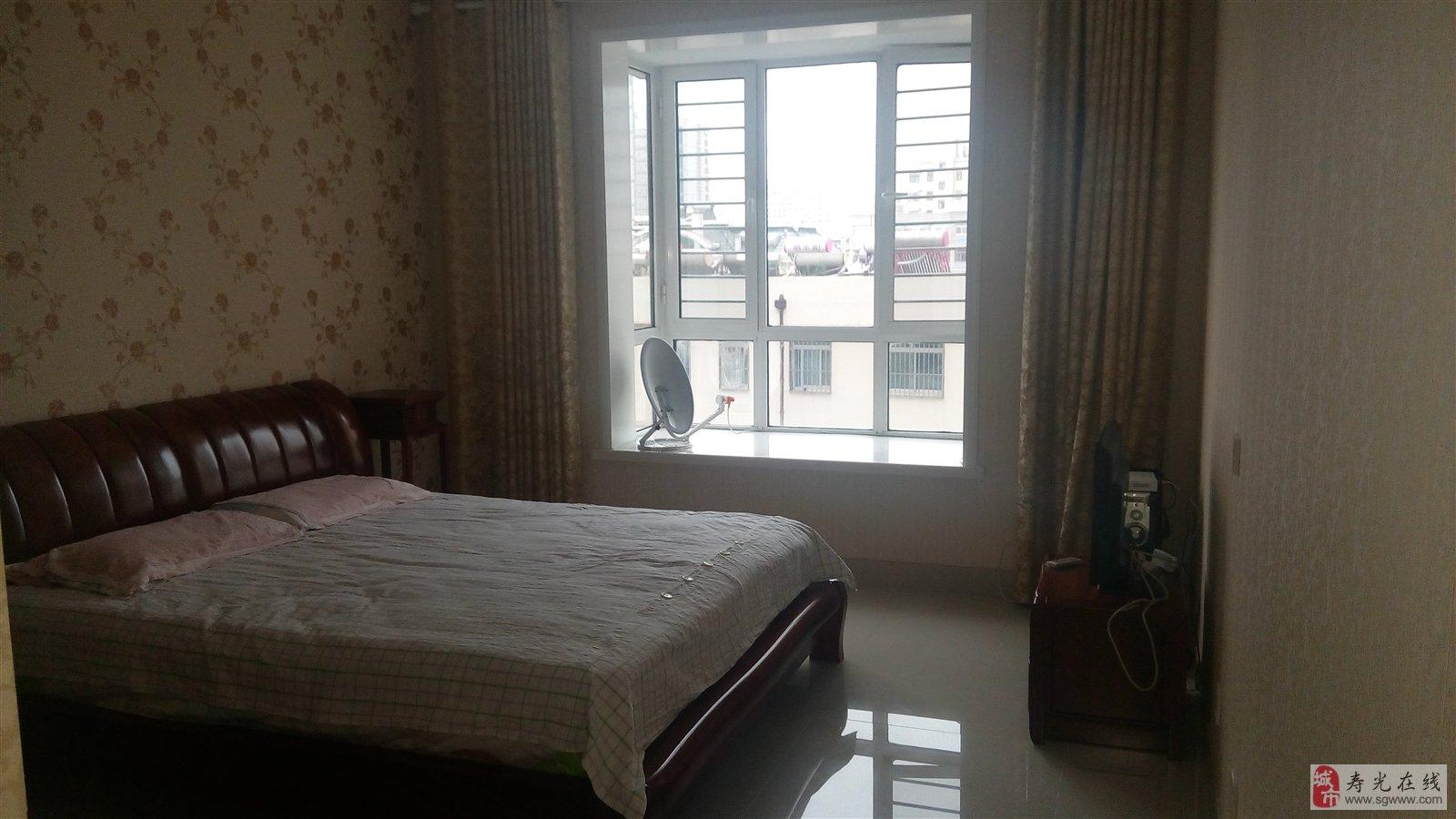 背景墙 房间 家居 酒店 设计 卧室 卧室装修 现代 装修 1600_900