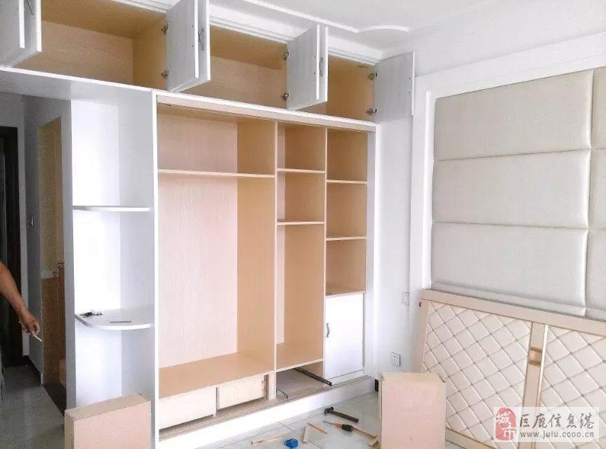 承接各类装修,衣柜橱柜定吧台等木工制作,贴壁纸