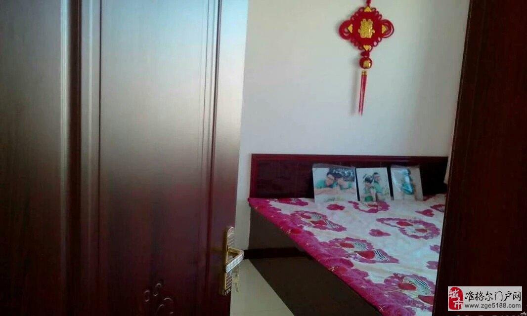 准旗薛家湾金岸国际 3室2厅2卫   132㎡