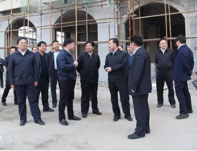 市委书记何雄、市长赵瑞东等多位领导莅临视察上亿广场及新广场工程进度,给予全力支持,并期待项目早日开业