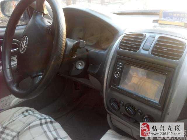 下线出租车,油气两用高清图片
