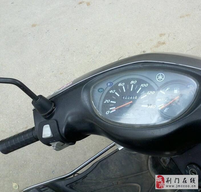 雅马哈丽鹰踏板车,入手只需加油就可以。