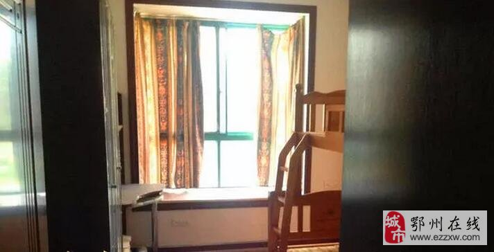 国际康城精品三室二厅出租