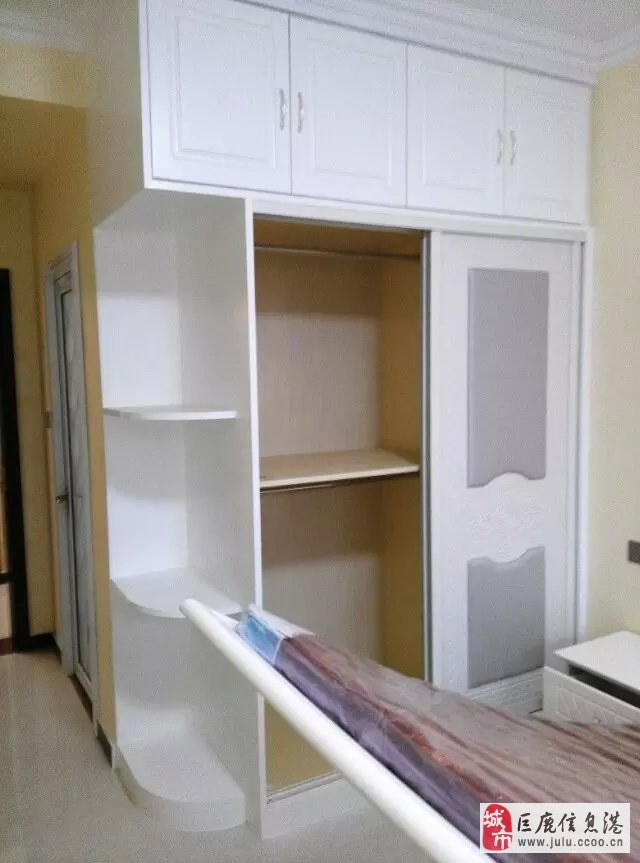 承接各类装修,衣柜橱柜定吧台等木工制作,刮腻子涂料