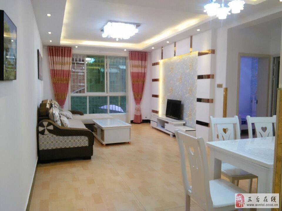 楼顶带游泳池的小别墅-精装两室出售,家具家电齐全