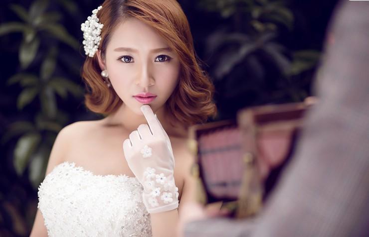 婚纱照广告位招商18669698987