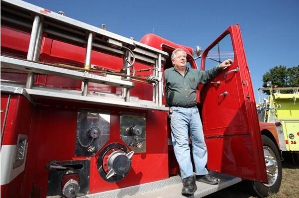 美国男子收集价值100万美元450辆消防车