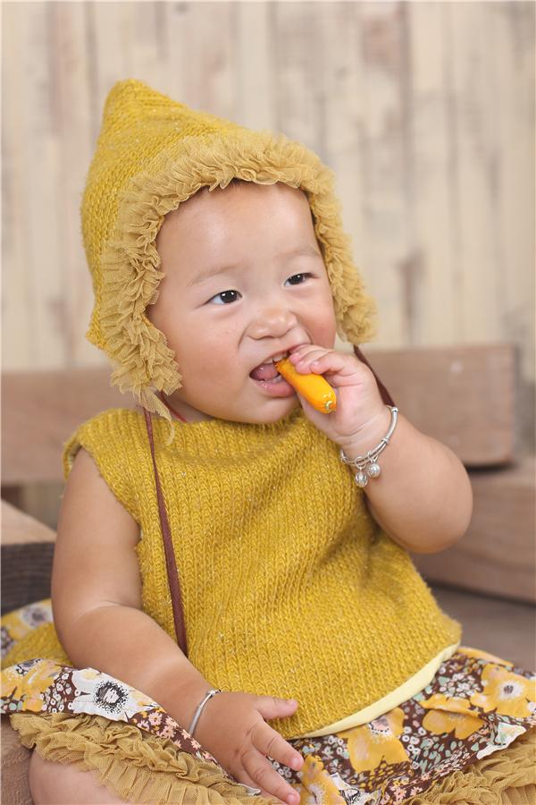 宝宝 壁纸 儿童 孩子 小孩 婴儿 600_900 竖版 竖屏 手机