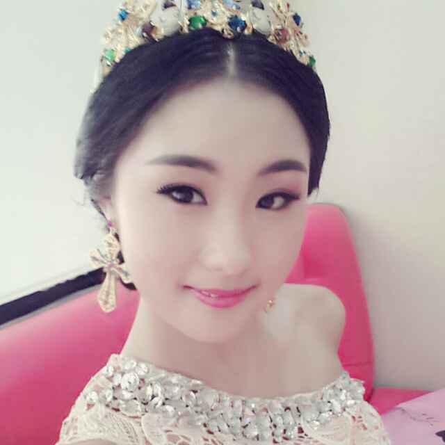 【服装秀场】张立娟22岁白羊座美女学者美女个体户_图片