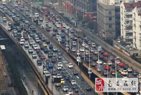 """""""在南昌,开车一小时还在中山路""""这不只是个段子"""