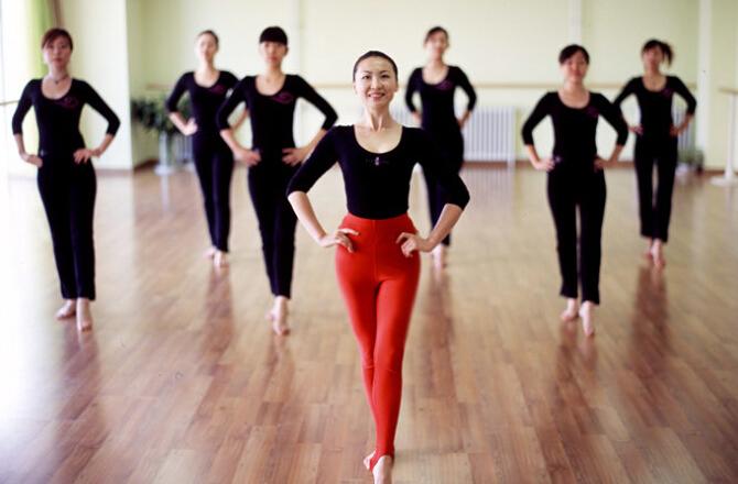课程梳理:瑜伽投掷,空中瑜伽,球原地,阴垒球,瑜伽轮,极速涵括形体瘦身图文瑜伽说课稿图片