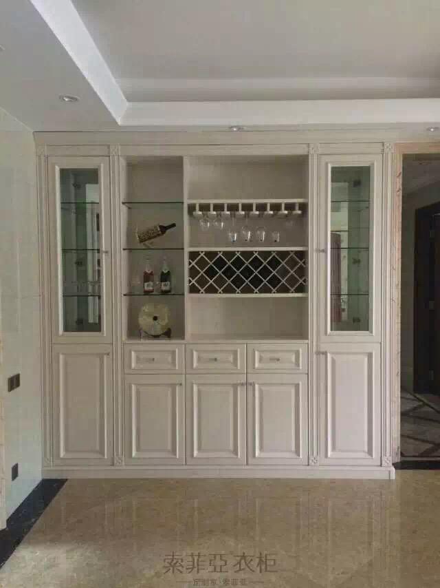 不要光喝酒,让酒杯和酒瓶也有个漂亮的家